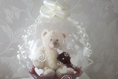 kado in een ballon wit met roos