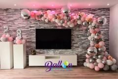 Balloon-Styling-Tilburg-organic-ballonnenslinger-zuilen-minipilaren-cijfers-4-d-ballonnen-chrome-goud-zilver-mat-pink-grijs-wit-ballonnen-Tilburg