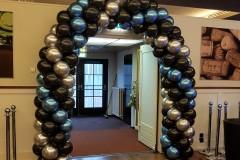 Balloon-Styling-ballonnenboog-ballonboog-chrome-blauw-zilver-metallic-zwart-ballonnen-Tilburg