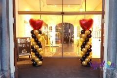 Balloon Styling ballonnenpilaar ballonpilaar zwart goud met rood hart Tangoschool El Corazon Den Bosch