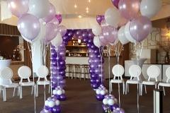 Balloon Styling gronddecoratie pearl lila, paars en wit met een zijden roos en een ballonnenboog Tilburg Reeshof