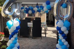 Balloon-Styling-minipilaren-40-jaar-organic-ballonnenslinger-trosjes-ballonnen-verjaardag-ballonnen-Tilburg-1