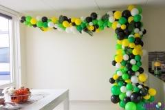 Balloon Styling organic ballonnenslinger ballonnenpilaar jungle thema palmbladeren