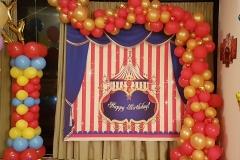Balloon Styling organic ballonnenslinger ballonslinger rood met metallic goud ballonnenpilaar ballonpilaarTilburg