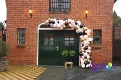 Balloon-Styling-organic-ballonnenslinger-organische-ballonnenslinger-chrome-goud-pastel-pink-lichtroze-ballonnen-Tilburg