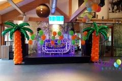 Balloon-Styling-palmbomen-tafeldecoratie-trossen-heliumballonnen-International-Kruikentournament-Hockeyclub-Tilburg