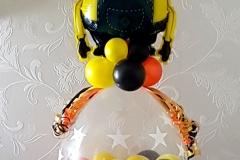 kado in een ballon minion