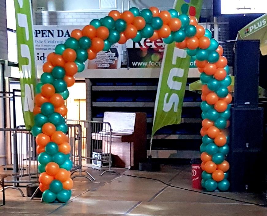 boog voor carnaval oranje groen
