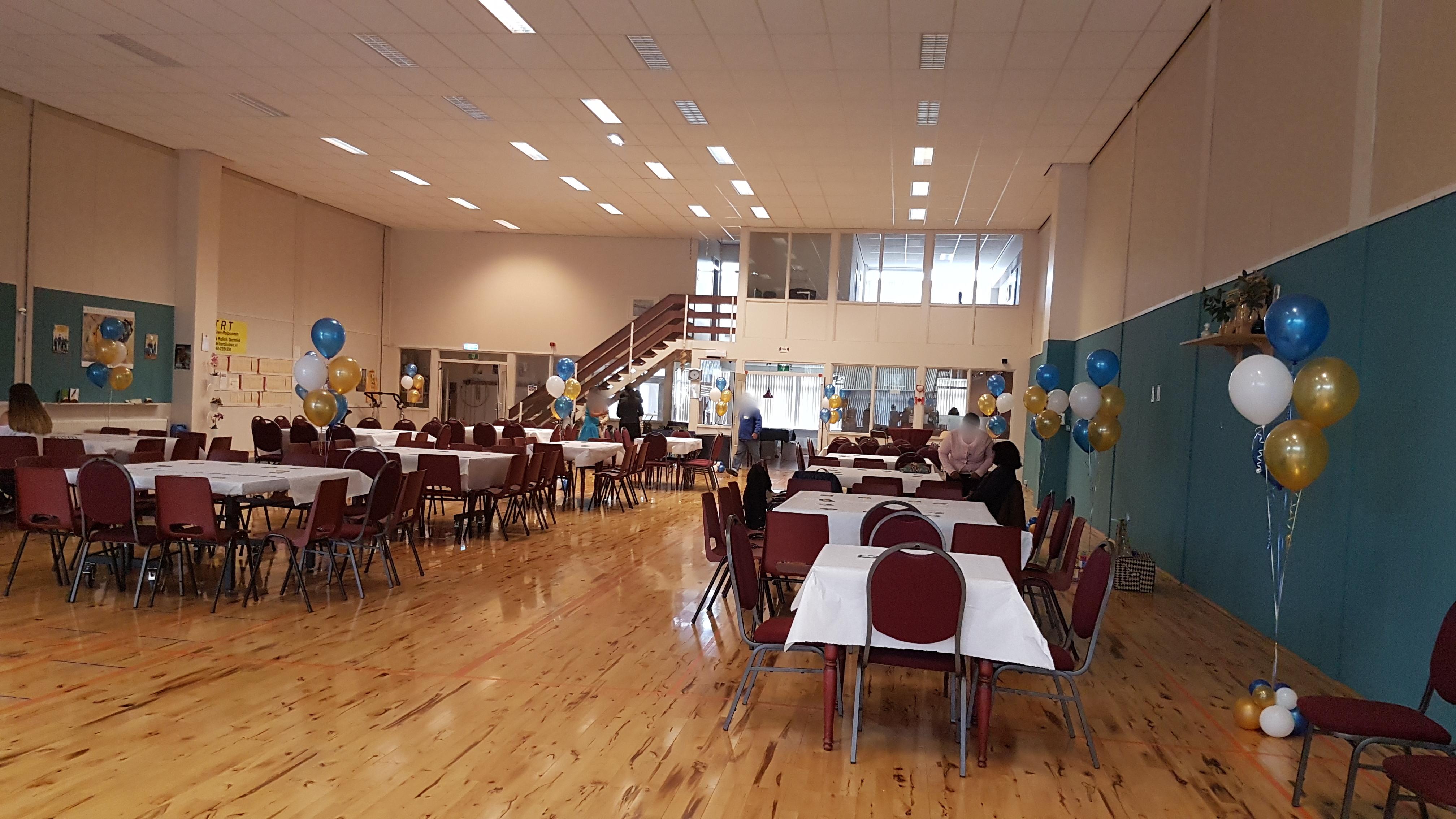 Heliumballonnen ballontrossen gronddecoratie vloerdecoratie tafeldecoratie ceremoniefeest Balloon Styling Tilburg