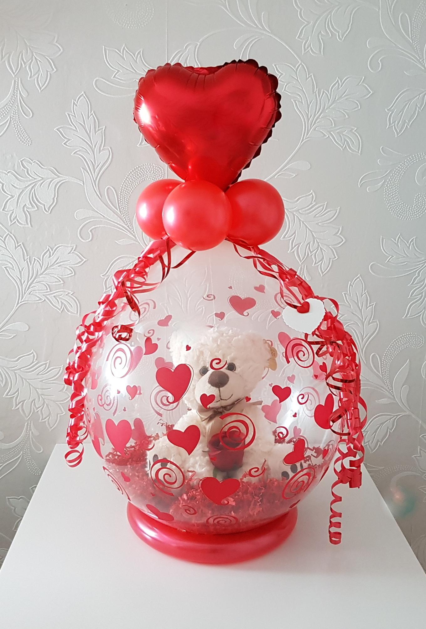 Balloon Styling cadeau in een ballon hartjes Valentijn Tilburg Reeshof