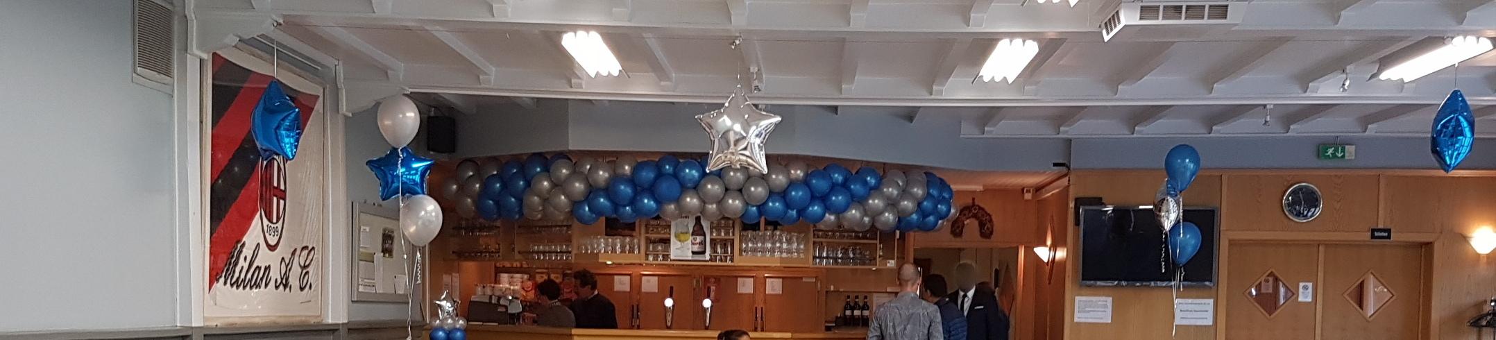 ballonnenslinger Neerpelt boven de bar