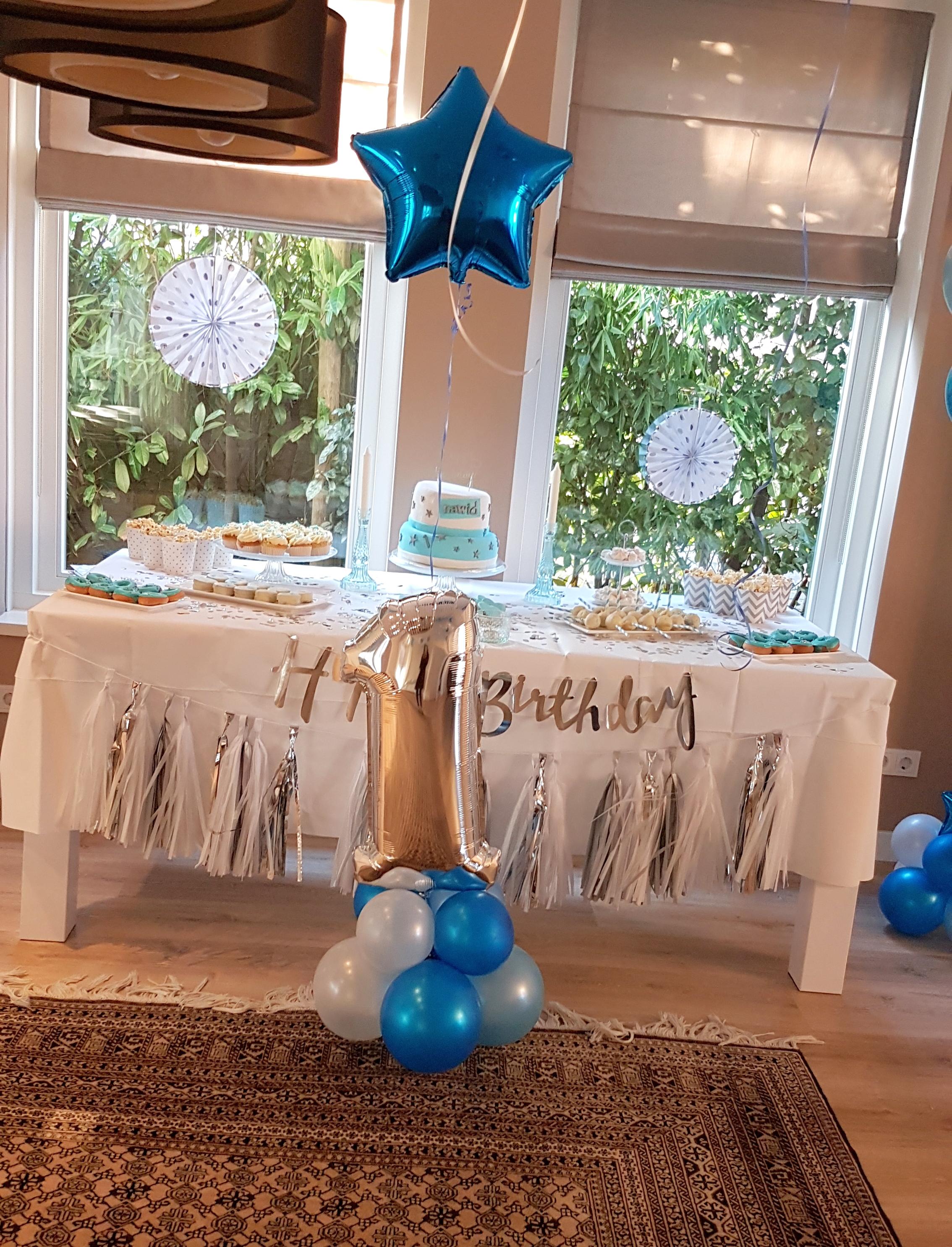ballonnenpilaar ballonnenpilaren feest verjaardag trouwerij evenement communie Brabant Tilburg Reeshof Balloon Styling