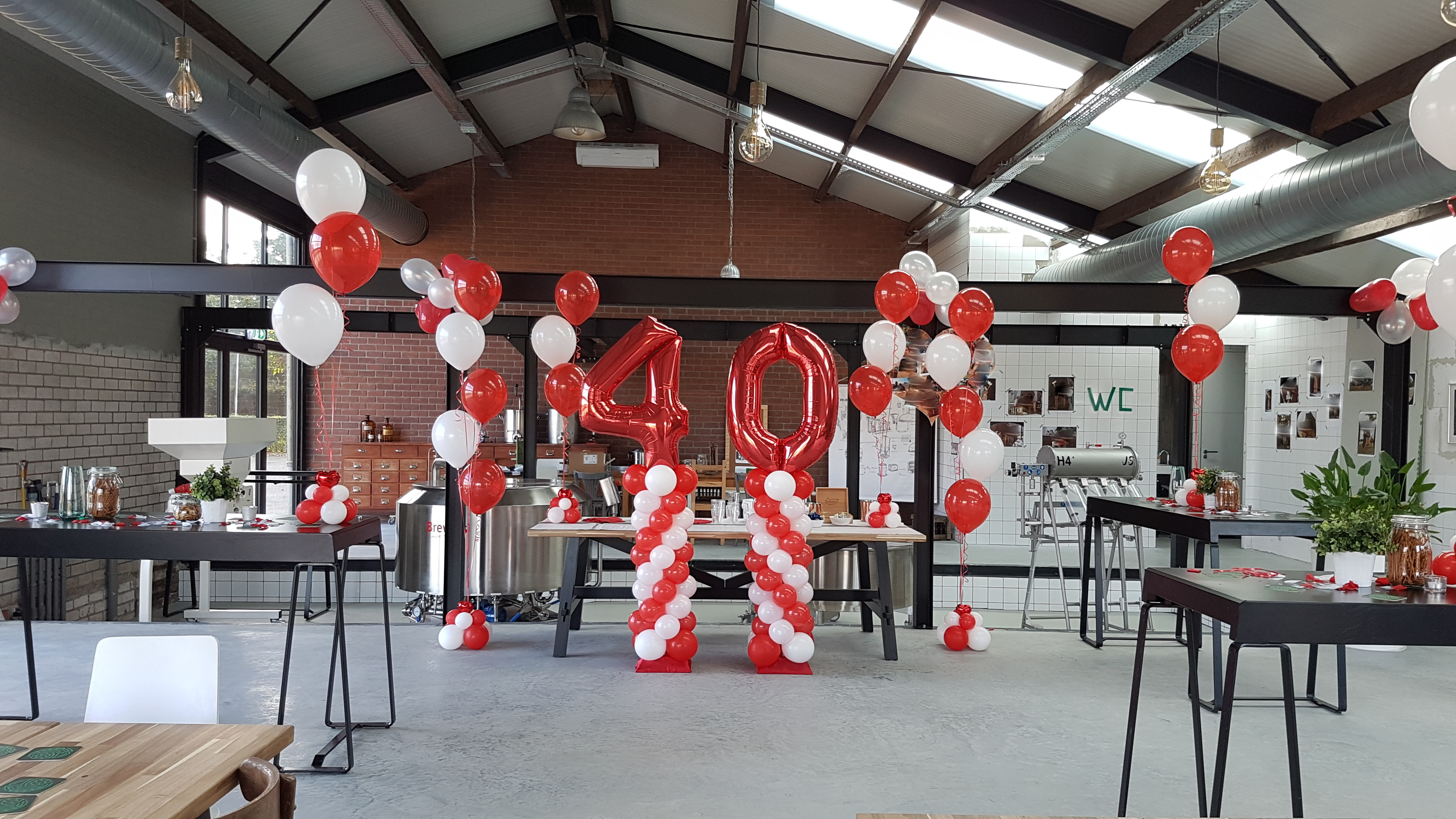 ballonnenpilaar ballonnenpilaren 40 jarig huwelijk Brabant Tilburg Reeshof