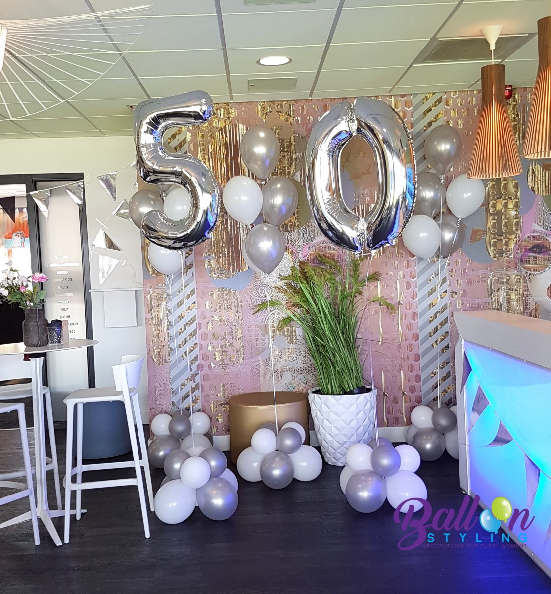 Balloon Styling Tilburg trossen heliumballonnen gronddecoratie cijferballonnen 50 jaar verjaardag