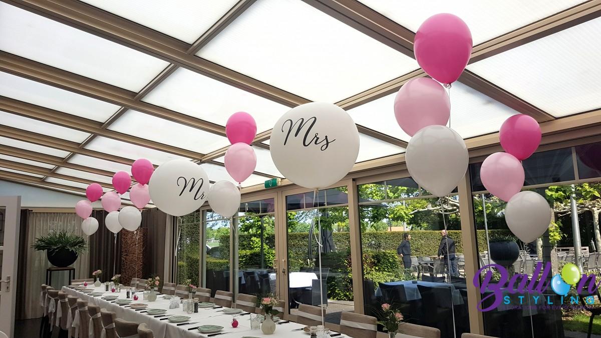 Balloon Styling Tilburg trossen heliumballonnen tafeldecoratie gronddecoratie mr en mrs huwelijk bruiloft