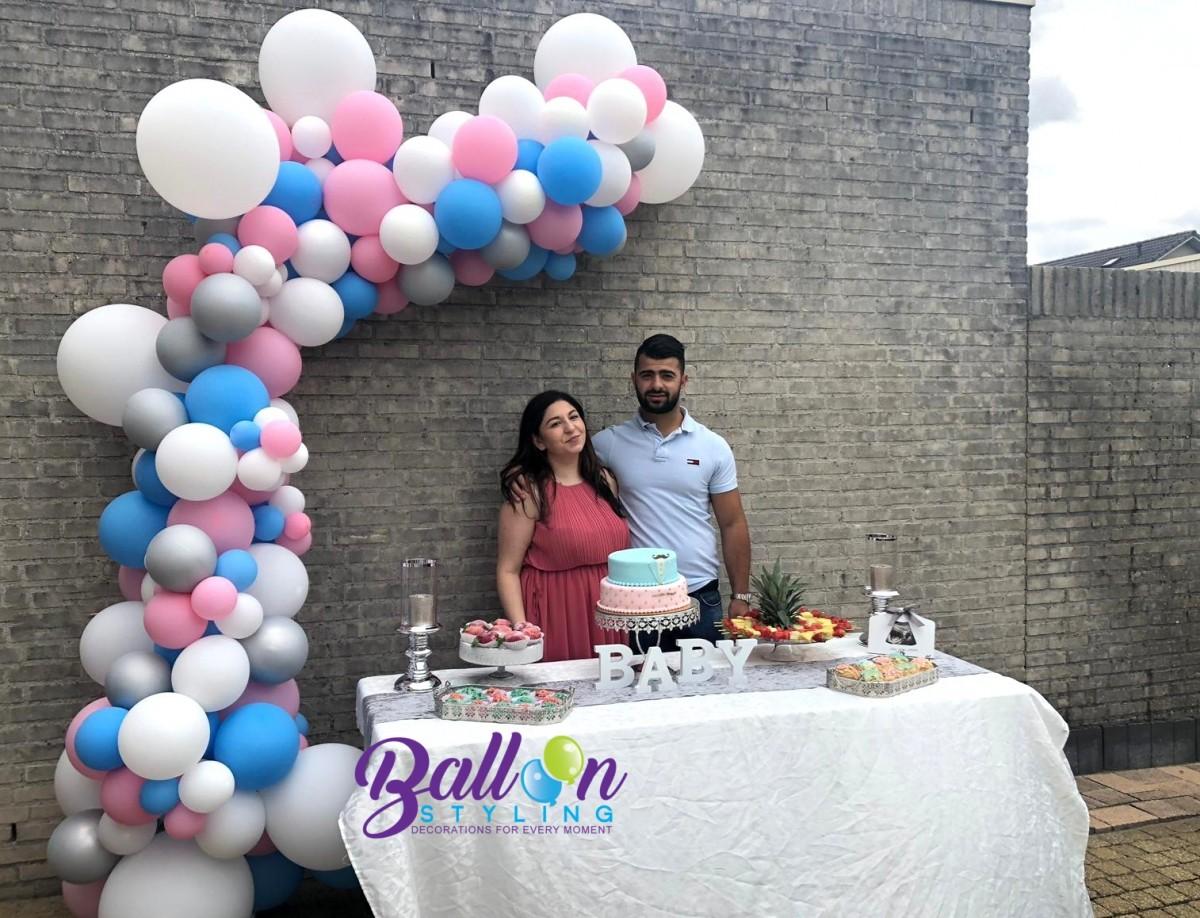 Balloon Styling Tilburg organic ballonnenslinger gender reveal geslachtsbepaling baby op komst