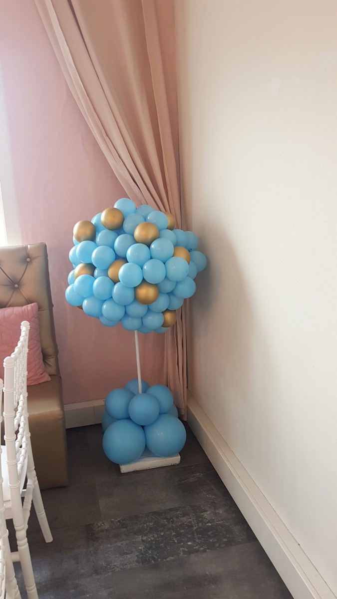 Balloon Styling Tilburg babyshower ballonnendecoraties ballonboompje het is een jongen ballonnen Tilburg heliumballonnen chrome goud babyblauw3