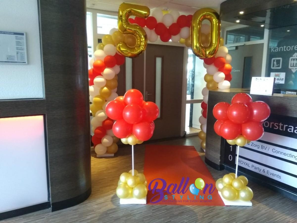 Balloon Styling Tilburg ballonnenboog ballonboog met gouden cijfer folieballonnen