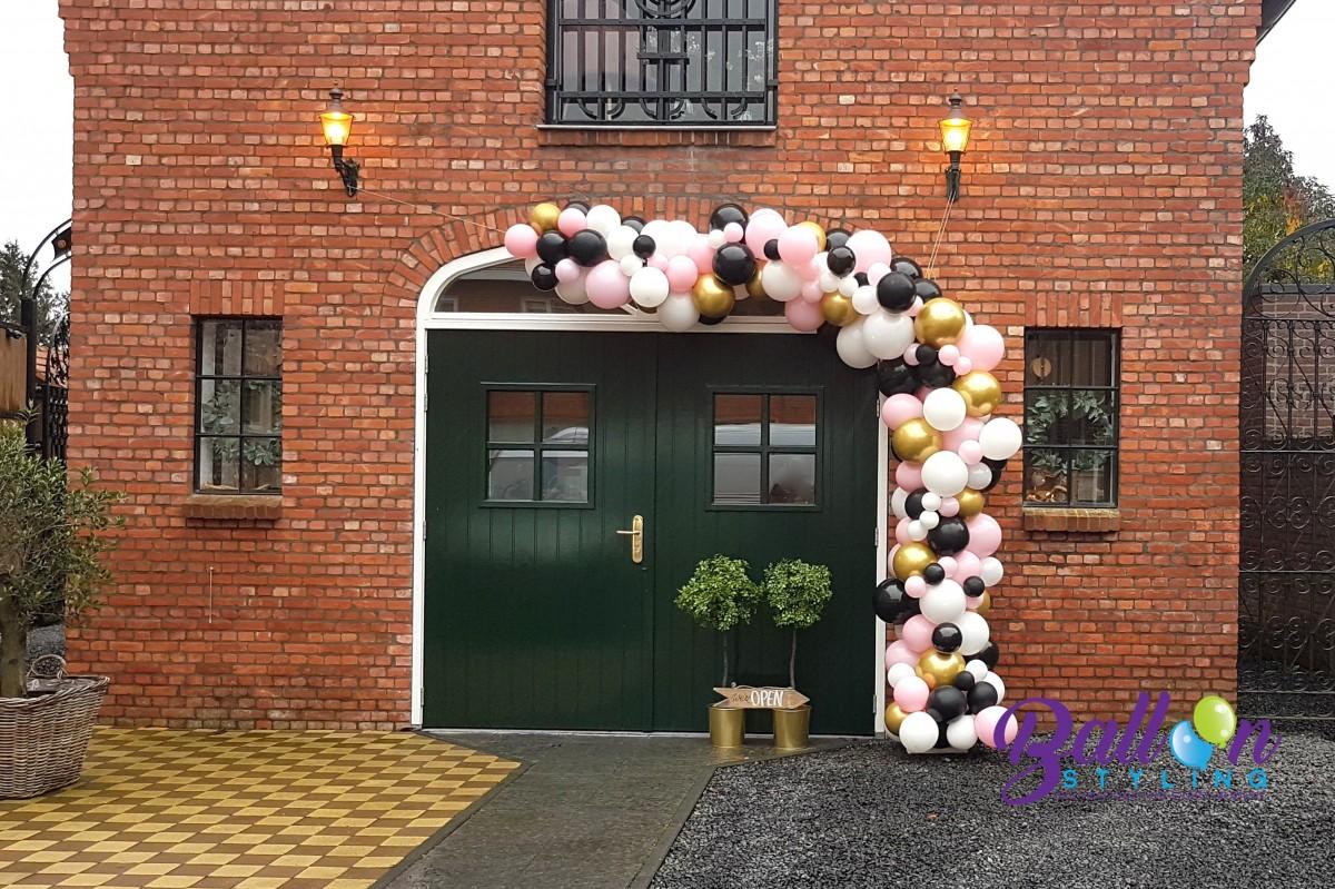 Balloon Styling organic ballonnenslinger organische ballonnenslinger chrome goud pastel pink lichtroze ballonnen Tilburg