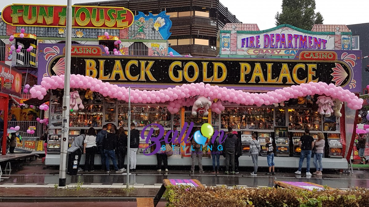 Balloon-Styling-ballonnenslingers roze-Roze-Maandag-Brabant-Tilburg-Reeshof ballonnen Tilburg (1)