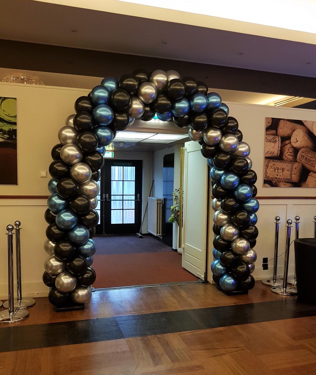 Balloon-Styling-ballonnenboog-ballonboog-chrome blauw-zilver metallic zwart ballonnen-Tilburg