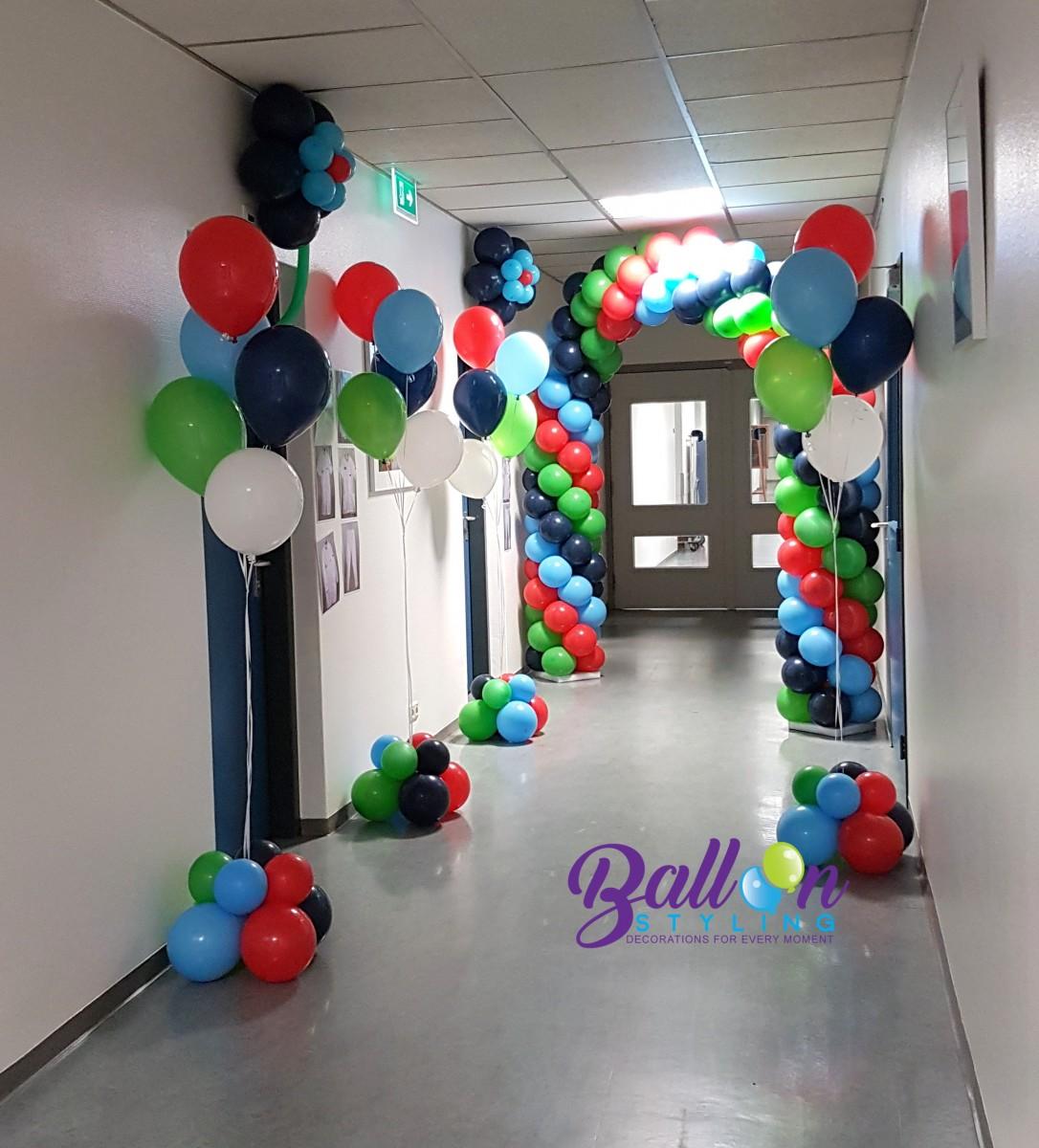 Balloon-Styling-ballonnenboog-ballonboog-gronddecoratie-vloerdecoratie-heliumballonnen-Tweesteden-ziekenhuis-Waalwijk ballonnen Tilburg