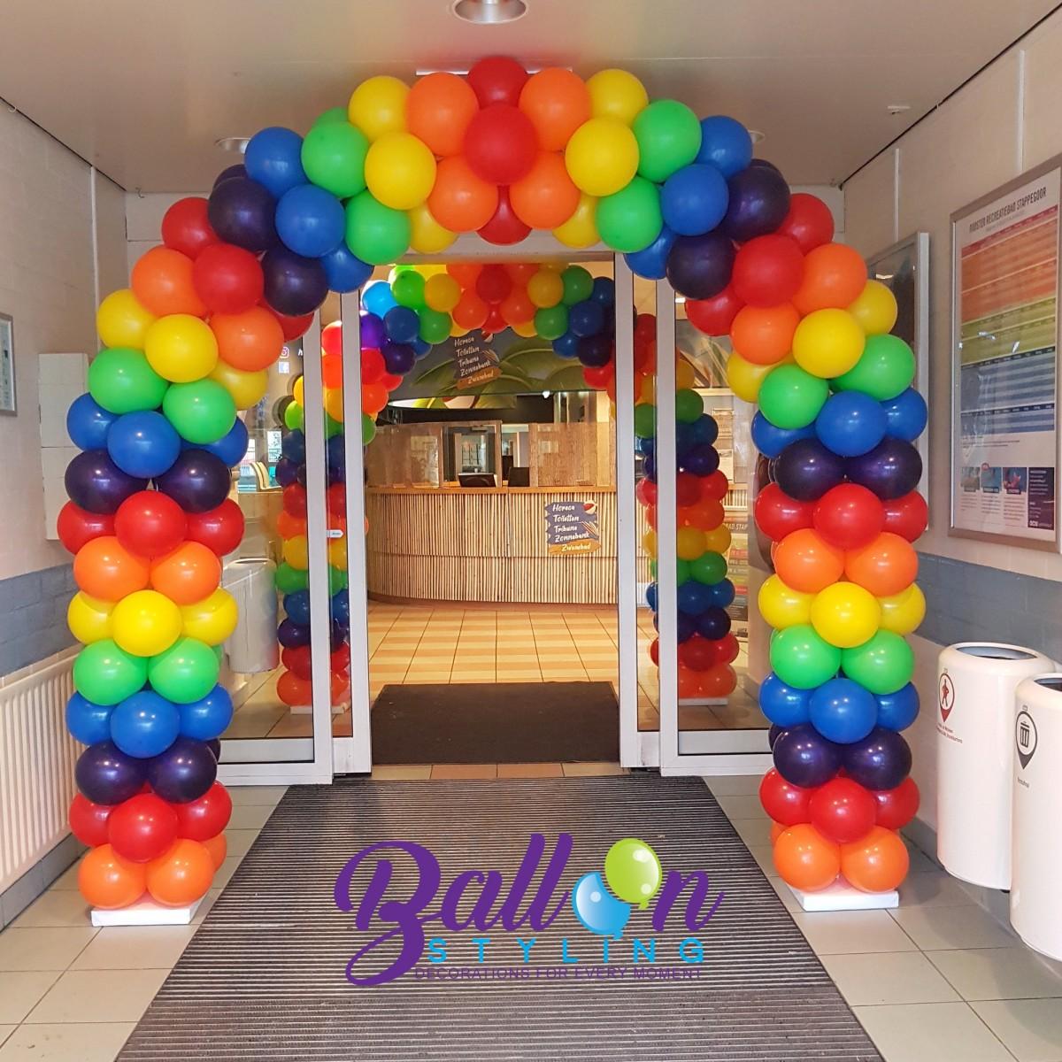 Balloon-Styling-ballonnenboog-ballonboog-regenboog-recreatiebad-Stappegoor-ballonnen-Tilburg