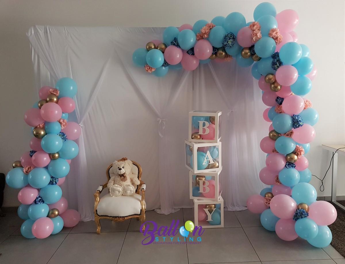 Balloon Styling Tilburg organic ballonnenslinger ballonnenbox kinder barok stoel chrome goud pastel roze pastel blauw ballonnen Tilburg