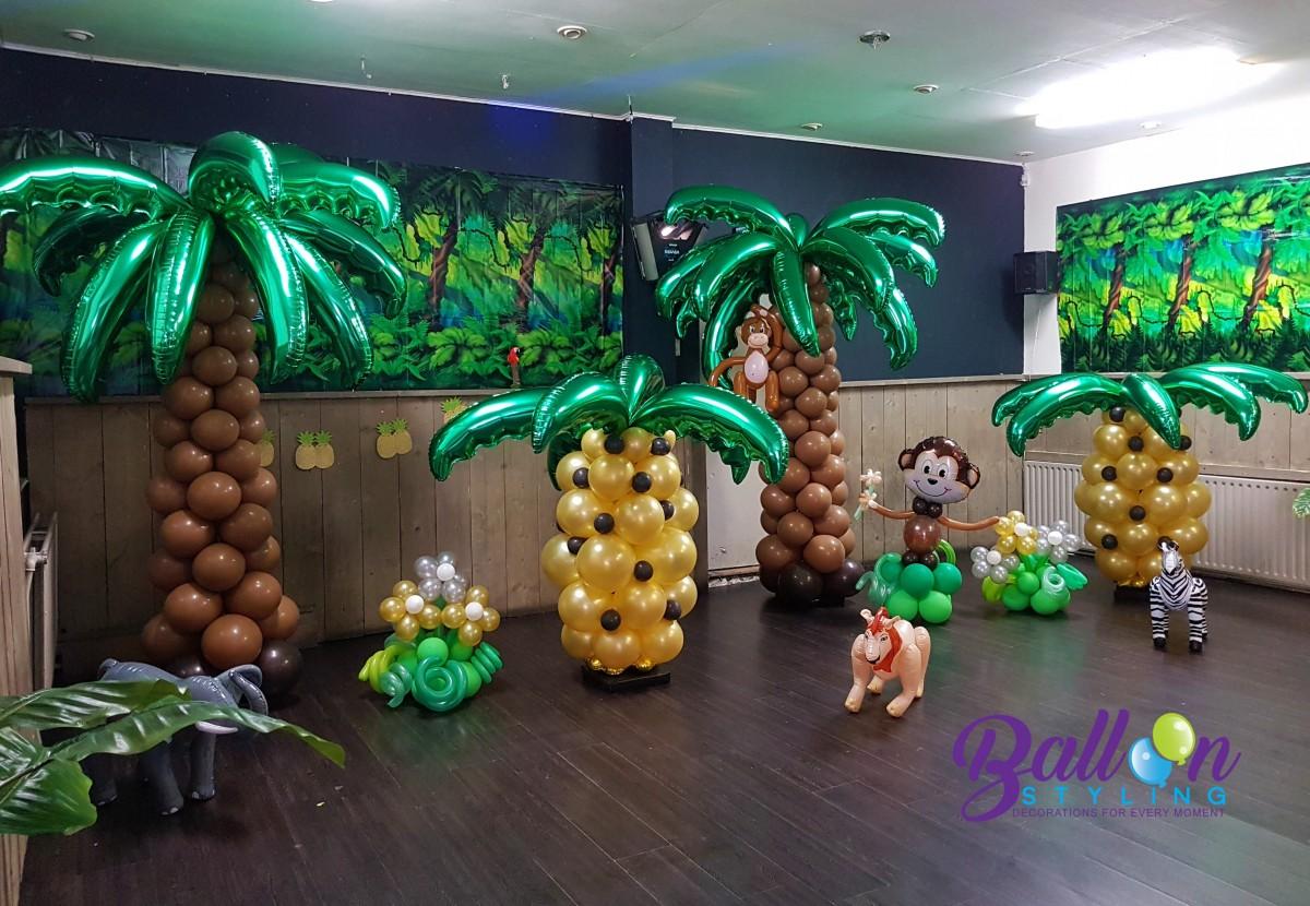 Balloon Styling Tilburg ballonnenpilaren palmbomen ananas aapje ballonnen Tilburg (1)