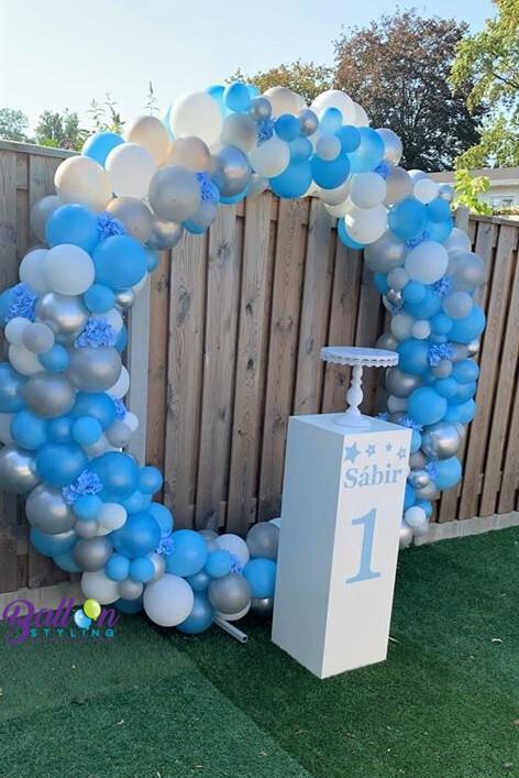 Balloon Styling Tilburg ballonnencirkel ballonnenboog zuil pilaar bedrukt 3 ballonnen Tilburg (1)