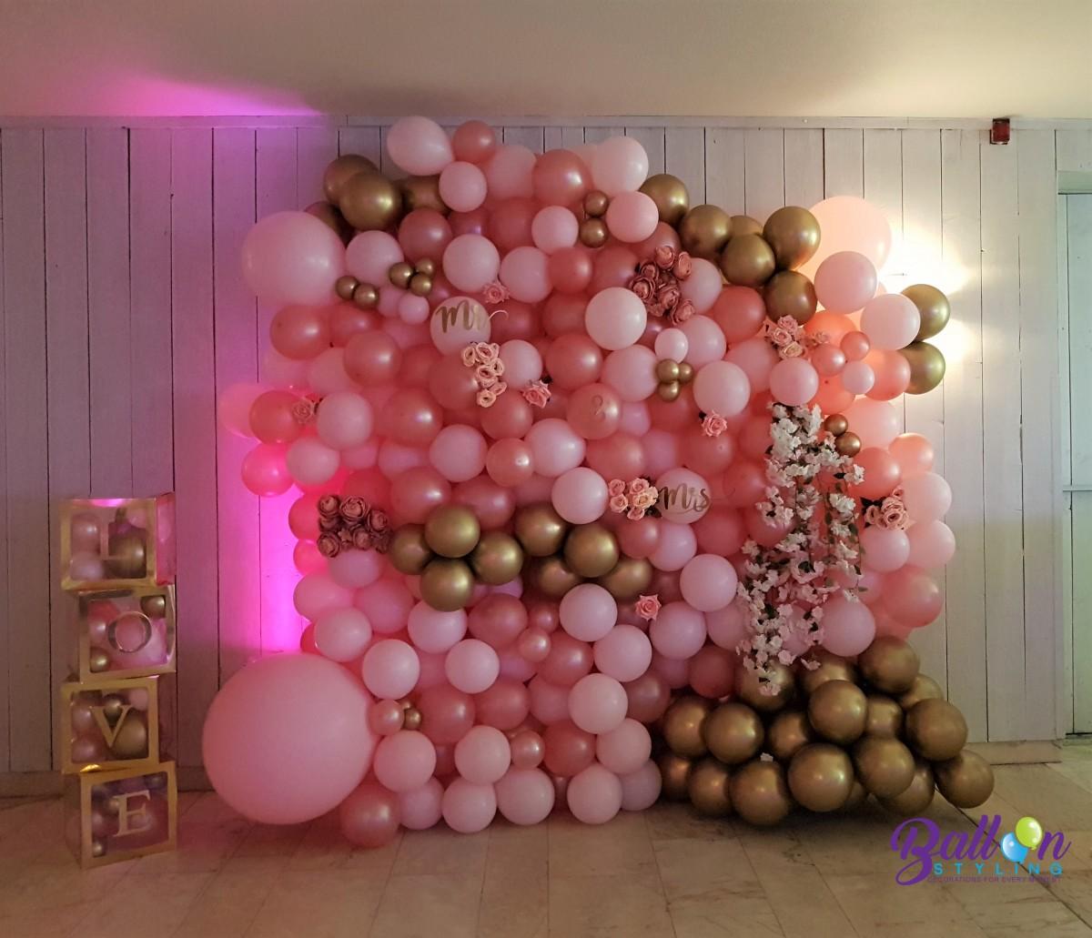 Balloon Styling Tilburg ballonnenmuur ballonmuur ballonnenwand ballonwand LOVE DOVES dozen Mr en Mrs ballonnen Tilburg (1)