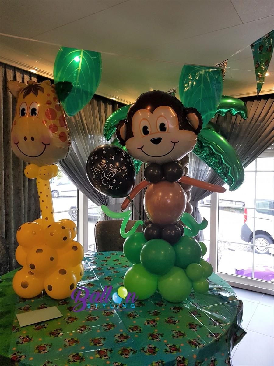Balloon Styling Tilburg giraf en aap 1 jungle thema junglefeest ballonnen Tilburg (1)