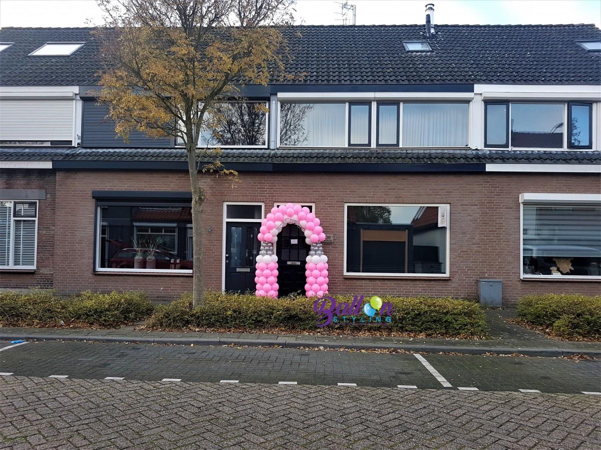 Balloon Styling Tilburg ballonnenboog papfles roze zilver wit geboorte gepersonaliseerde slinger ballonnen Tilburg2 (1)