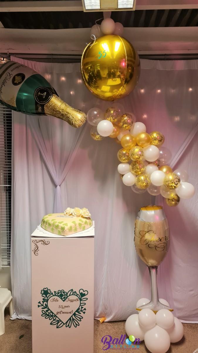 Balloon Styling Tilburg 55 jaar getrouwd smaragd huwelijk champagnefles glas organic slinger gepersonaliseerde bedrukte zuil ballonnen Tilburg (1)