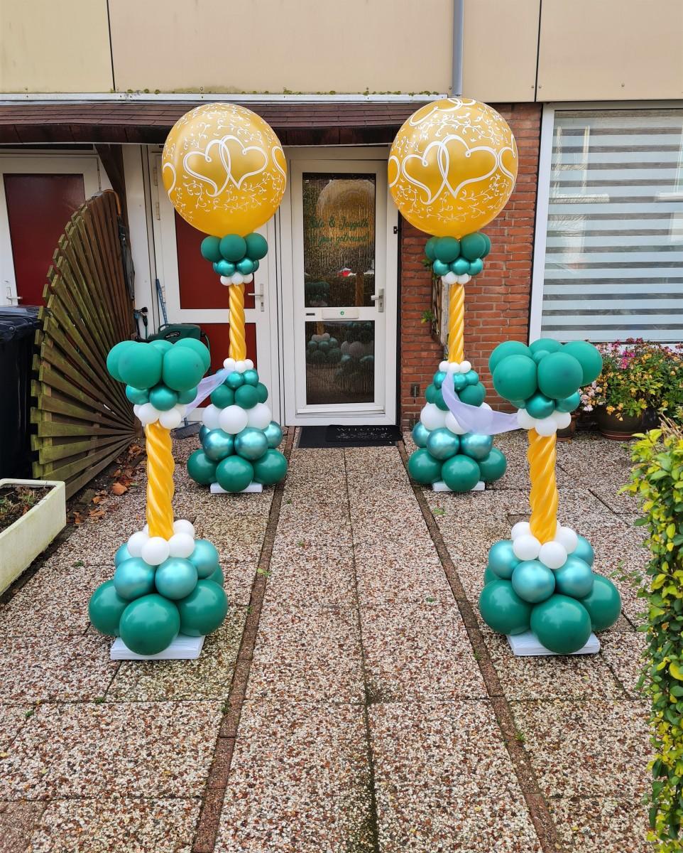 Balloon Styling Tilburg 55 jaar getrouwd smaragd huwelijk entwined hearts topballon dubbel hart minipilaren luxe pilaren organza ballonnen Tilburg3