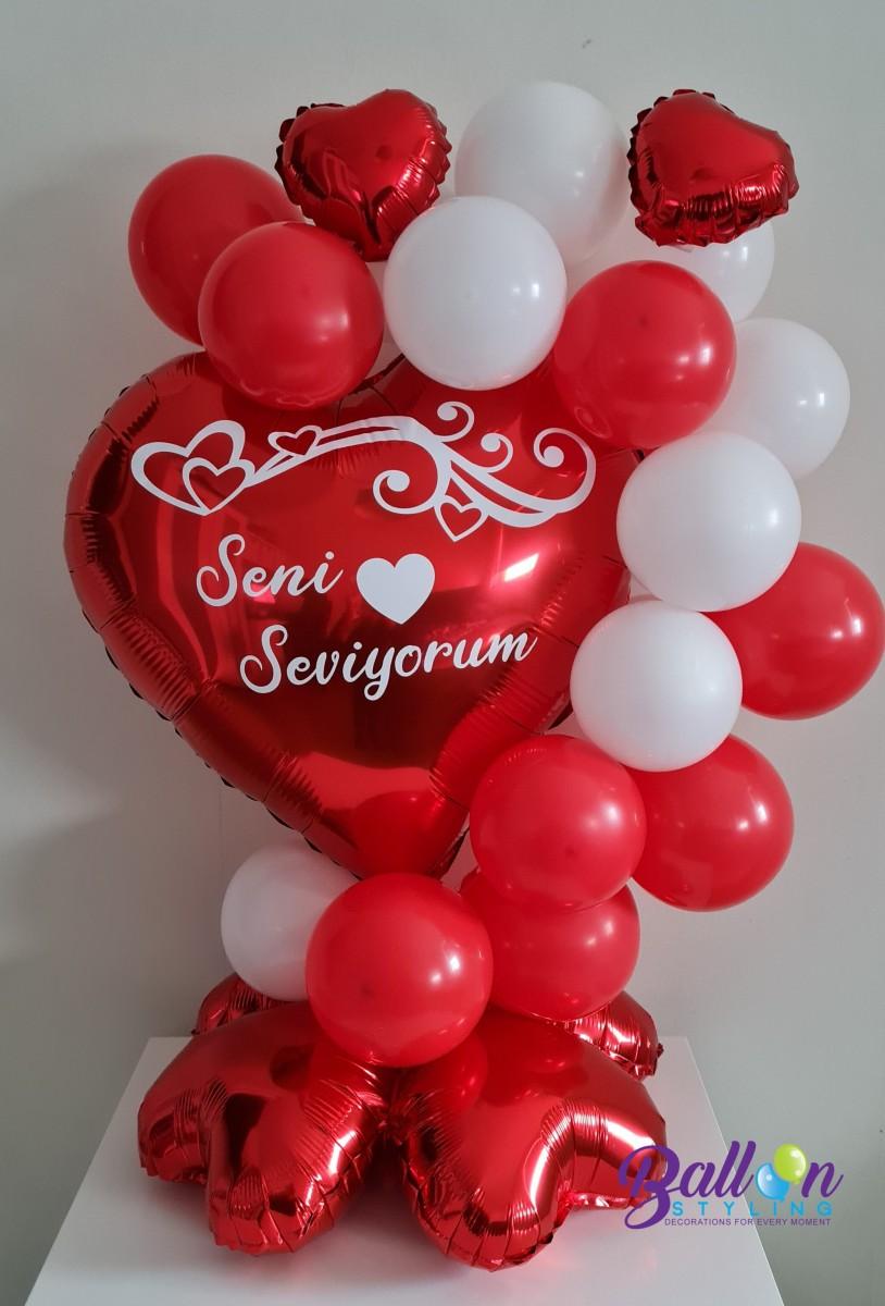 Balloon Styling Tilburg gepersonaliseerde bedrukte ballon Valentijn rood hart met kleine hartjes ballonnen Tilburg (1)