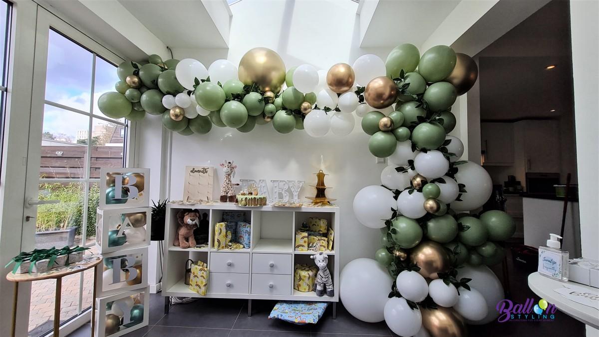 Balloon Styling Tilburg organic ballonnenslinger eucalyptus jungle stijl ballonnen Tilburg (1)