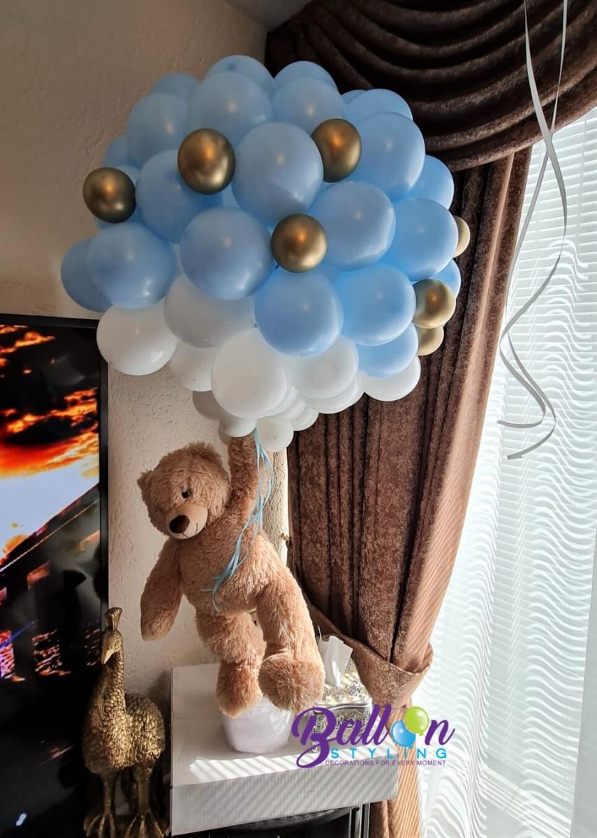 Balloon Styling Tilburg vliegende beer zwevende beer ballonnen Tilburg (1)